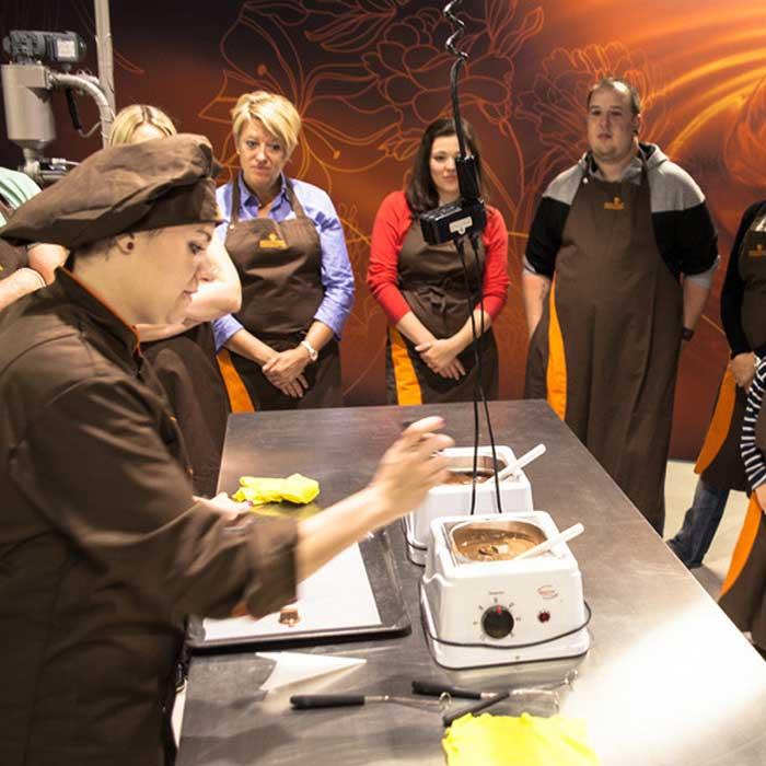 Christines Seniorenbetreuung besucht Chocolatier Aeschbach.