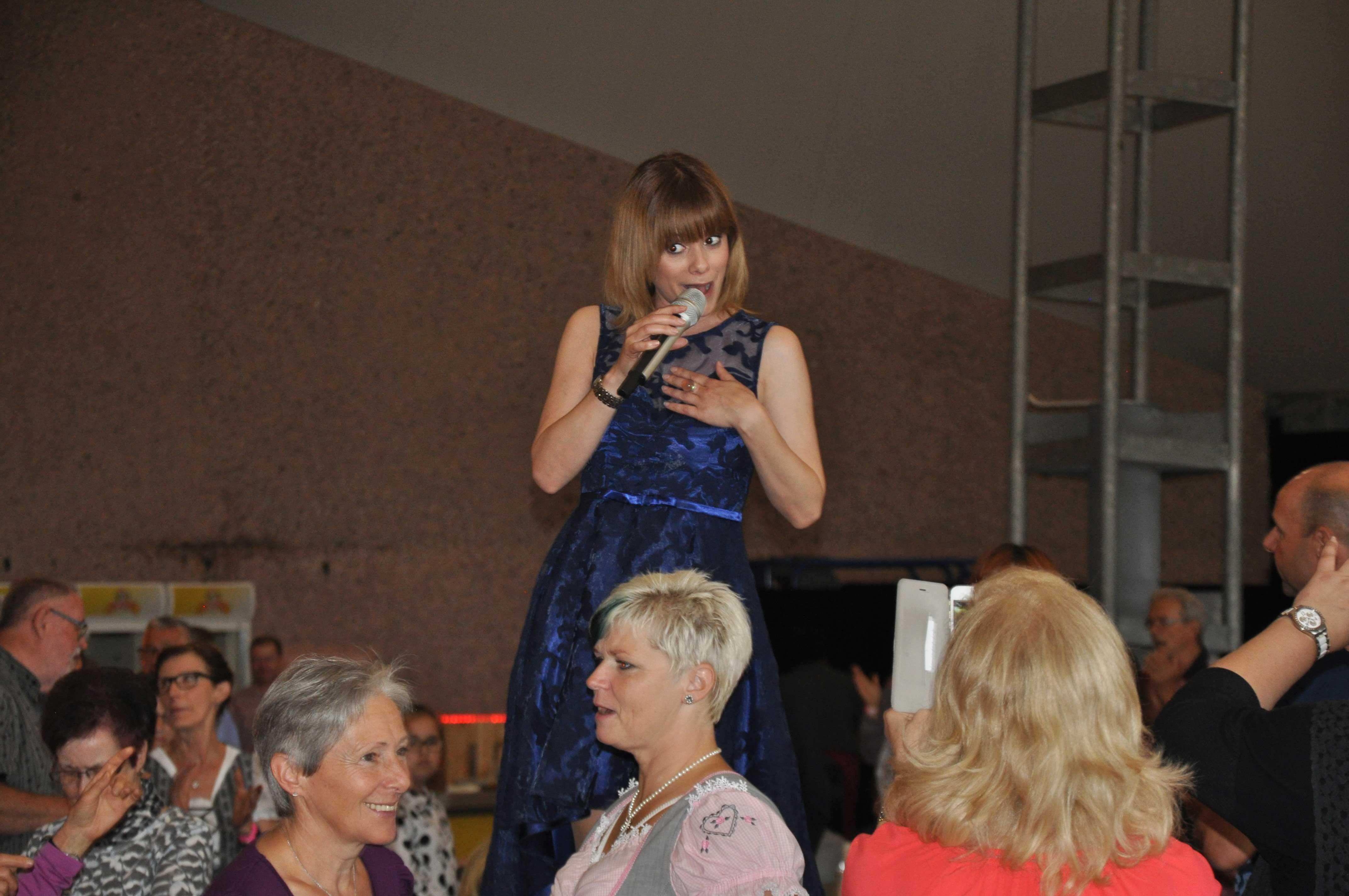 Senioren-Muttertag: Auftritt Francine Jordi