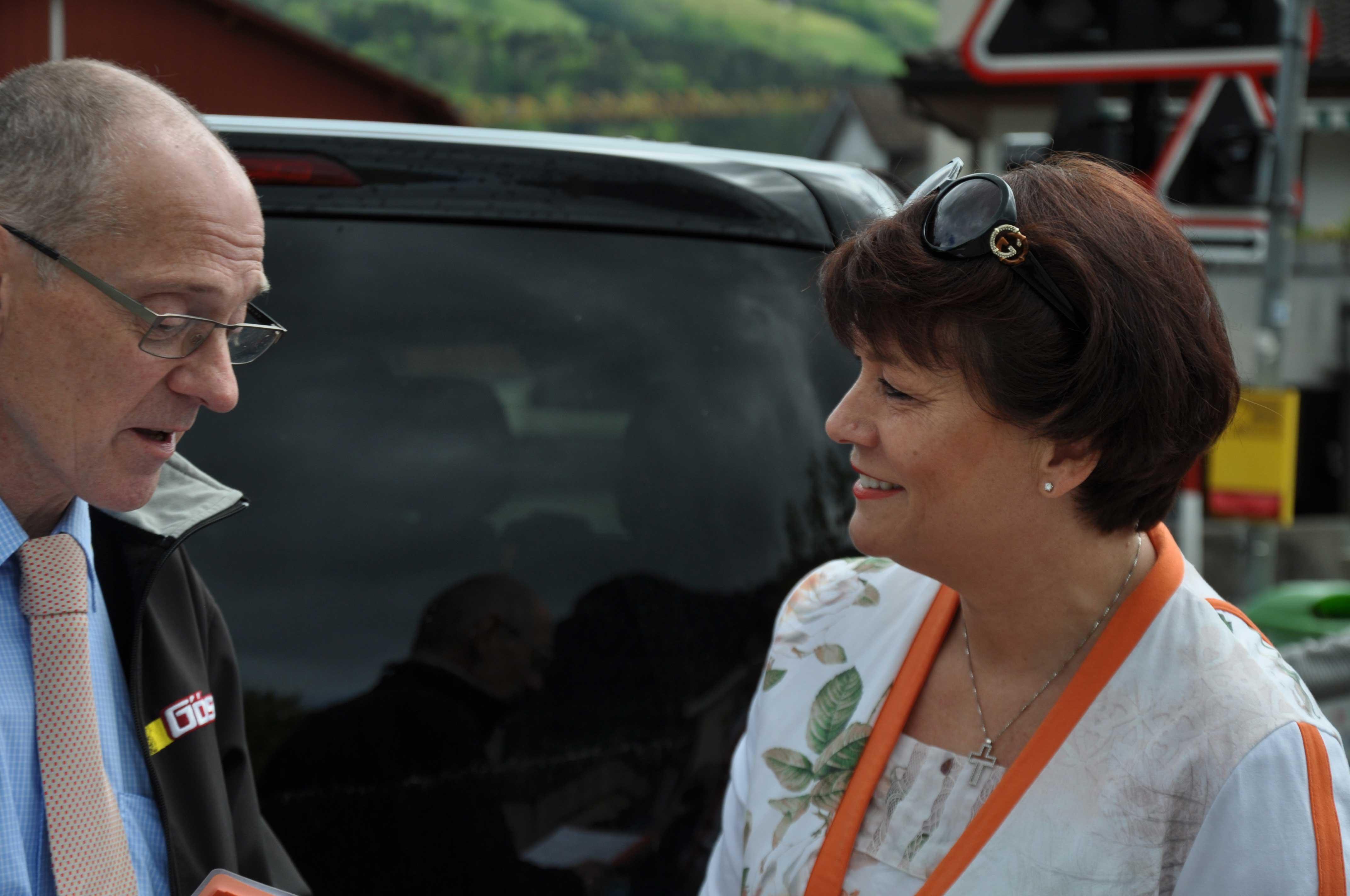 Senioren-Muttertag: Gespräch mit Chauffeur von Carreisen Gössi