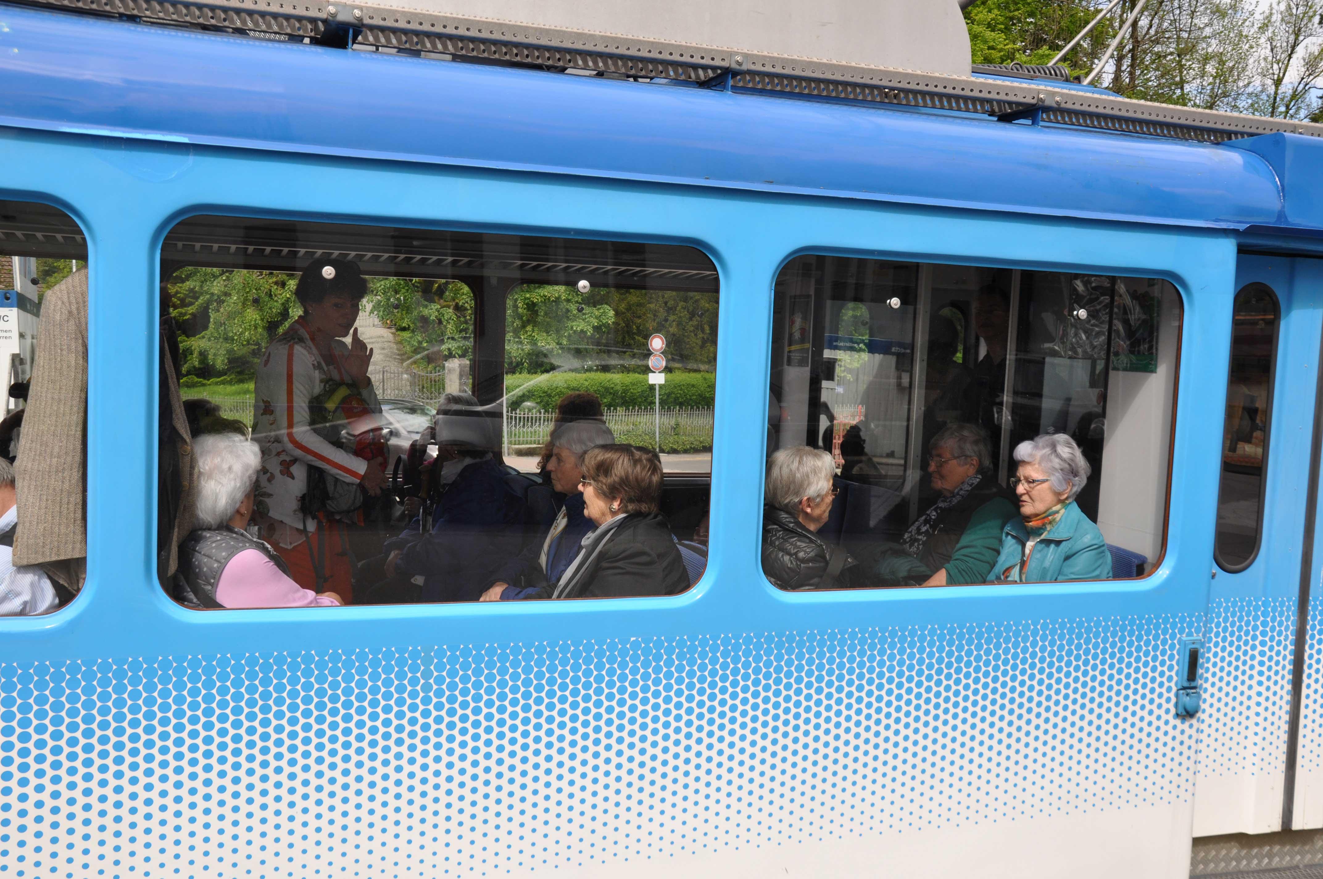 Senioren-Muttertag: Informationen zum Tag in Zahnradbahn