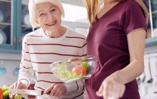 Über eine ganzheitliche Sichtweise zur ausgewogenen Ernährung von Senioren.
