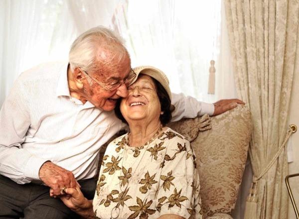 Senioren haben Chancen für ein gutes Leben mit Sehbehinderung.