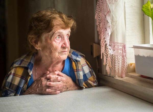Kontaktarmut im Alter: Tipps für Senioren gegen Einsamkeit.