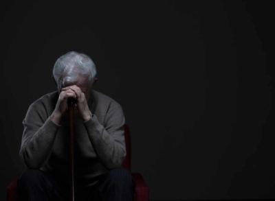 Einsamkeit im Alter: Wie gehen Senioren damit um?