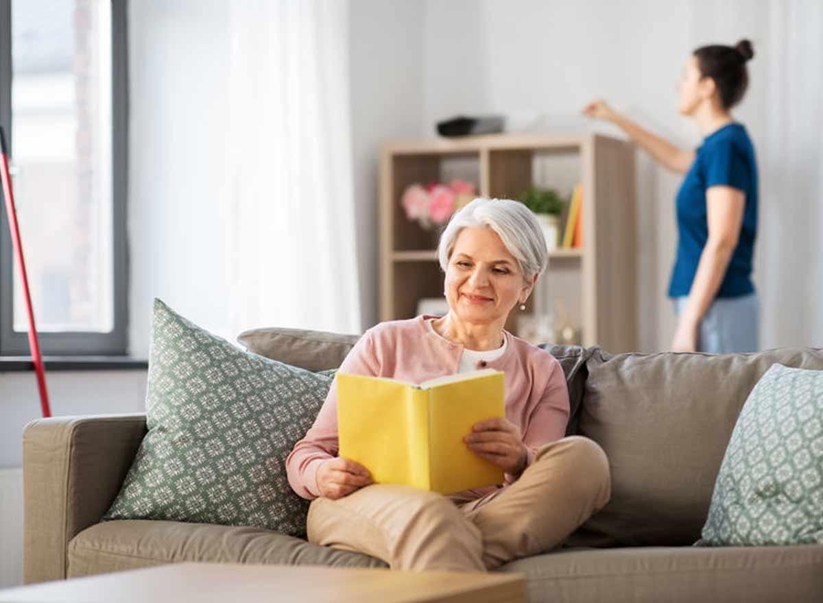Gratisarbeit im Haushalt und Pflege